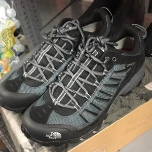 The north face men ultra 109 GTX used like new